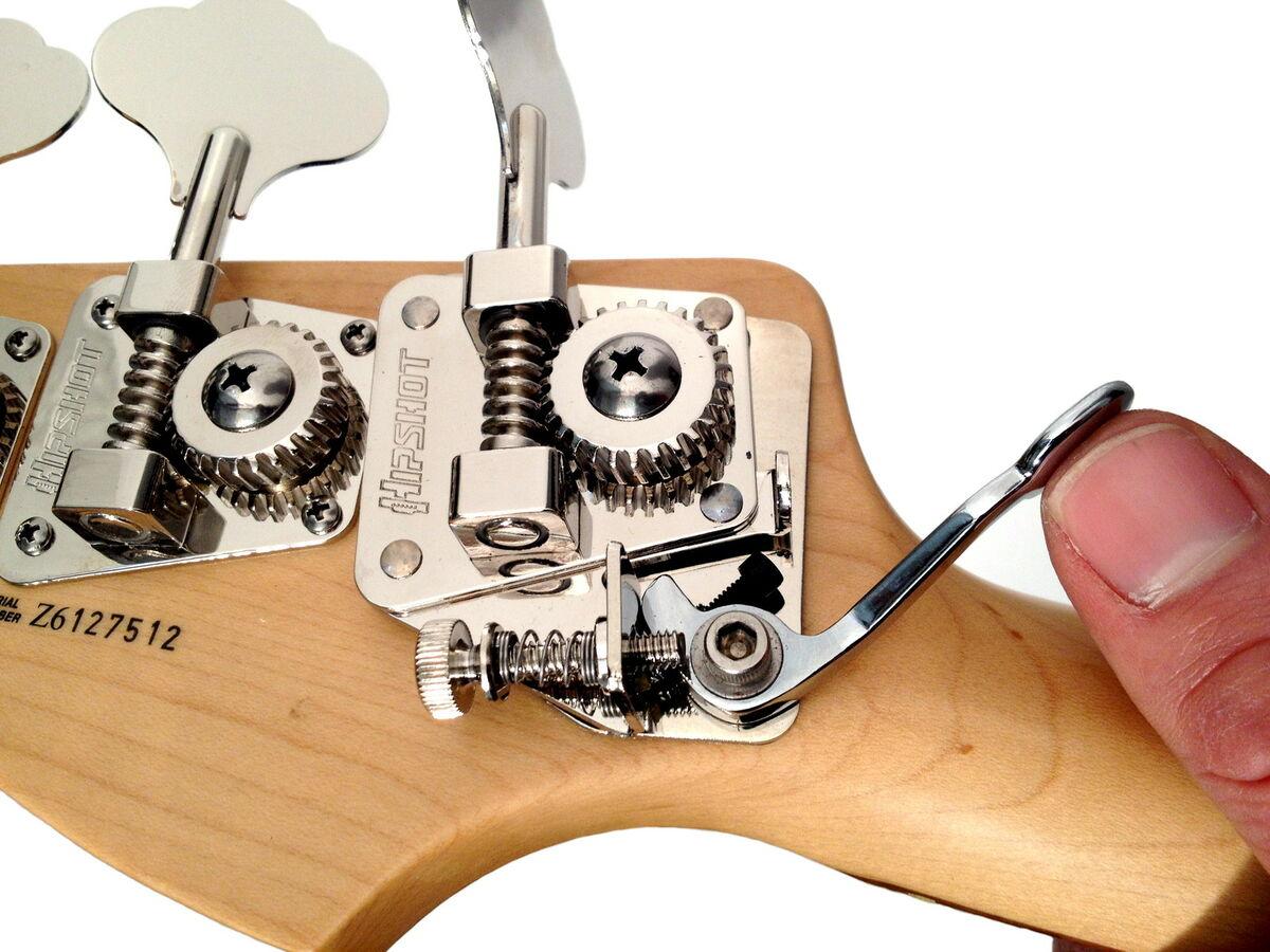 d tuner гаджет, который позволит не думать о том, как настроить бас гитару в пониженный строй.